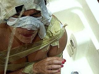 Vadia putona adora levar mijada de macho pissing in her whore face