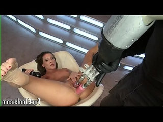 Solo masturbating babe pussy and ass