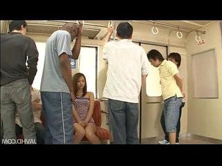 Japanese sweetheart Mizuki Iori abused on the subway by thugs