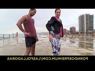 Las folladoras wild redhead shows pussy in public and picks up random guy for sex on set